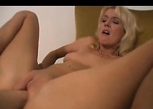 Sexy Blonde MILF Close-Up Fisted