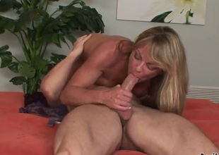 Shayla Laveaux came home a met her daughters new boyfriend completely naked in the bedroom while daughter was in the shower. Shayla can not resist his young dick. Enjoy.