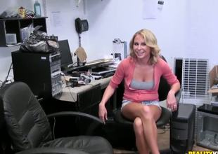 Sexy office worker babe is tired of hard working! We can see in her sexy and slutty eyes, that this babes needs to receive in her wet and juicy snatch something hard and huge.