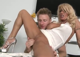 Smoking hot milf receives picked up by some random guy who gives her the best time ever