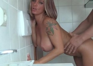 naughty-hotties net - milf and her nieces dud