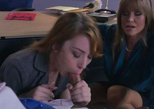 Stepmom Darla Crane and Gwen Stark dance on the same dick