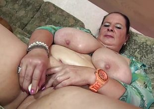 Randy plumper dildo copulates her hawt pussy