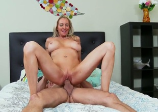 Emma starr, a slutty blonde cougar with amazing boobs needs some assist with the grill. This guy Preston comes over and instead of the grill does her hungry vagina.