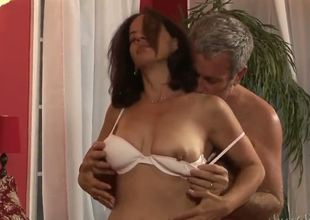 Melissa Monet is a horny mature, who likes her beefy husband, who knows lots on secrets in hardcore sex. And today he wants to try some new positions with her. Amazing couple!
