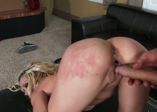 Clover fucks Mikki Lynn as hard as possible in steamy hardcore action