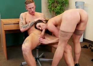 Kendra Lust has some fun in the office