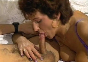 Getting unfathomable into this horny MILF - Julia Reaves