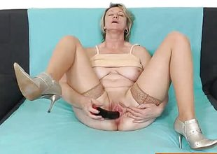 Blonde amateur-mom solo in nylons