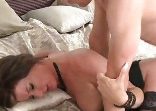 MOM HD working MILF wife gets fucked