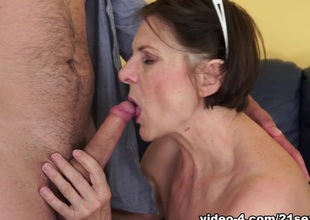 Margo T. in Cock-hungry GILF Video