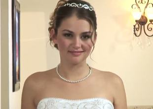 Always hungry for cunt Manuel Ferrara married beautiful girl Allie Haze, he was so hungry to fuck that left the guests and took his bride and seduced her to fuck during the time that guest are having fun!
