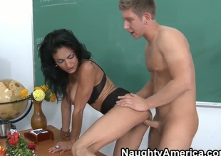 Danny Wylde got zero points at his last test. He remains after the lessons to ask his horny teacher Persia Pele where did he made a mistake. Ms. Pele decides to show him it.