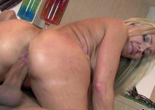 Good looking cougar Lisa Demarco us fuck hungry. Long haired sexy blonde milf with juicy ass sucks fellows fat hard dick with wild desire and then takes it up her pussy. Watch vehement mama get hardcored
