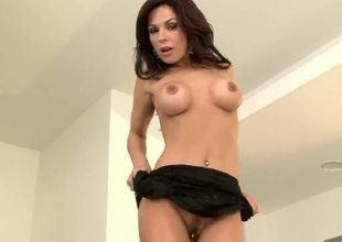 We get a great view of stacked MILF Kirsten Prices dripping moist pussy, as this large titted babe spreads her legs and gives herself a great pussy fingering.