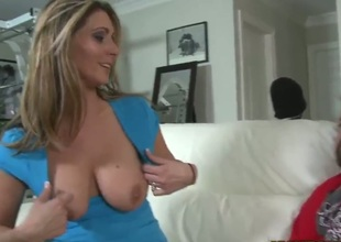 Dark brown with big melons and trimmed muff asks her man to stick his rock hard tool in her mouth