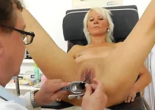 Blond dame acquires a gyno test