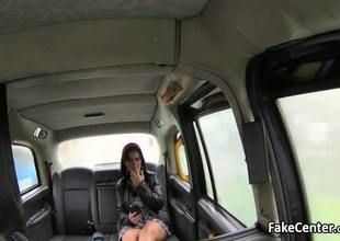 Mature gypsy got anal fuck in taxi