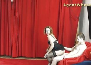MILF agent whore gives sexy dance to beginner