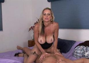 Mature craves to fuck and to get some sperm