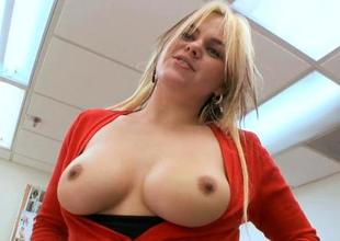 Agreeable mature darling loves taking on a pecker