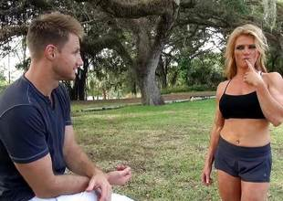 Blonde sporty Milf Amanda Verhooks muff pounded