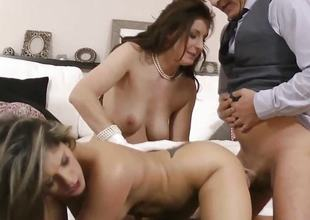 Beautiful babes fucked in threesome