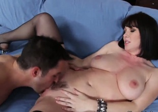 RayVeness is a cute milf and this time that babe is fucking with her sont friend, Kris. She likes men with big delicious cocks and Kris is not an exception. Just watch and enjoy her