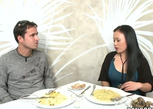 Exotic Mya Luanna enjoys the warmth of mans hard sausage deep down her throat
