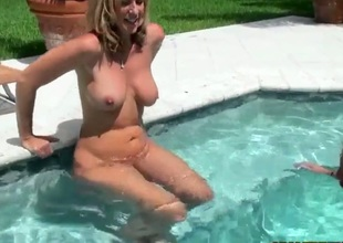 Blonde finds it exciting to be cum glazed