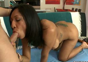 Lustful milf Sophia Diaz was just visiting Miami and that babe ended up sucking off a complete stranger. Looks like shes got a thing for white boys 'coz that babe cant get enough of him!