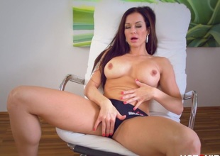 Big Buxom Beautiful MILF Orgasms