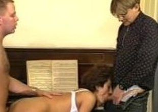 Aged amateur wife homemade threesome with cum