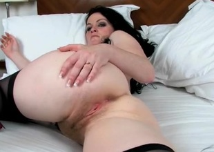 Lengthy pubic hair looks hot on the milky white milf