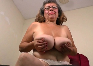 Latina grannies Maribel and Brenda can',t control their urge