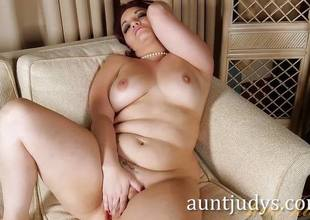 Curvy MILF Megyn Tells U About her First Time Fucking