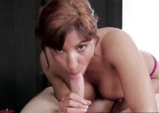 Experienced Masseuse sucking cock